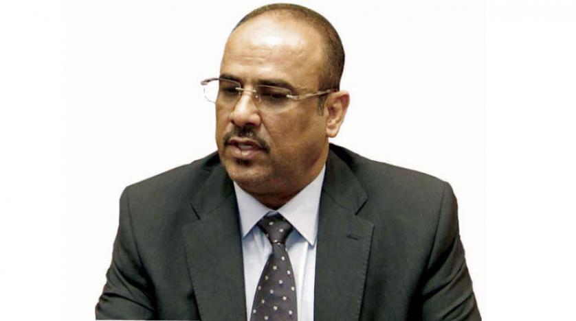 الميسري يوضح اول تعليق له من استهداف مطار عدن الدولي