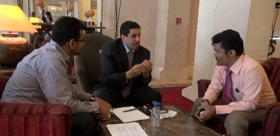صحيفة دولية تكشف سبب تأخير إعلان الحكومة اليمنية الجديدة وموعد إعلانها