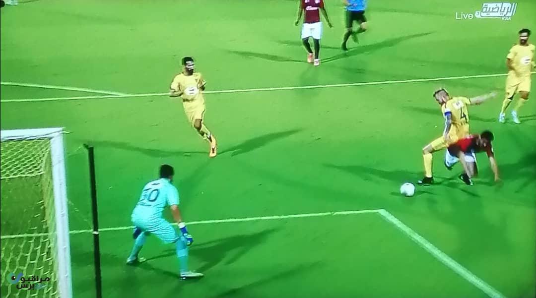 بالصور.. مباراة سعودية غريبة تشهد ٣ ركلات جزاء