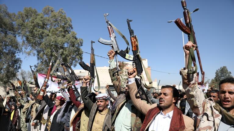 الحوثيون يعلنون سبب سقوط ضحايا بمركز للمهاجرين بصنعاء
