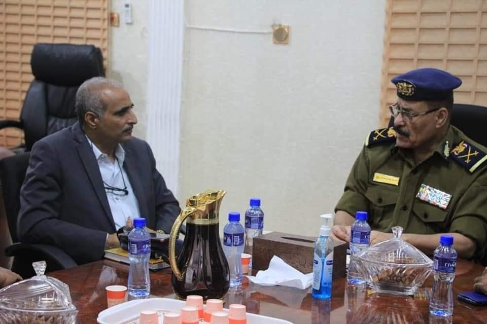 اللواء العامري يناقش مع رئيس النيابة الجزائية بحضرموت تنسيق العمل بين الأمن والنيابة