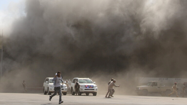 مقطع فيديو جديد لوكالة فرنسية للحظة الانفجار بمطار عدن الدولي