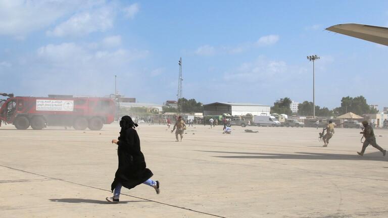 بن بريك يستبعد الحوثيين ويرجح وقوف قطر وتركيا وراء تفجيرات مطار عدن